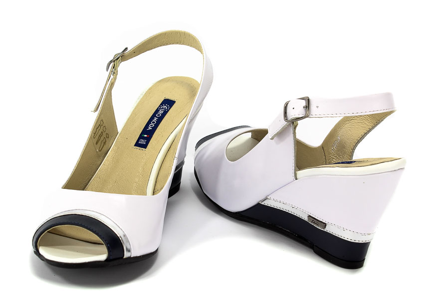 Sandały LIBERO 4700 104770 Koturny Klapki i sandały